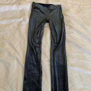 Aeropostale grey velour leggings size: S